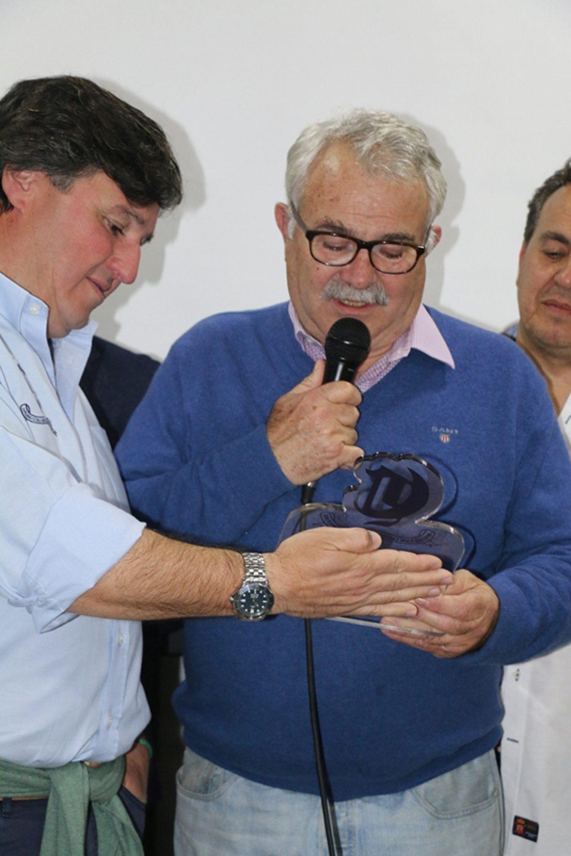 D. Francisco Alemán «Paquichi» homenajeado por el rugby sevillano